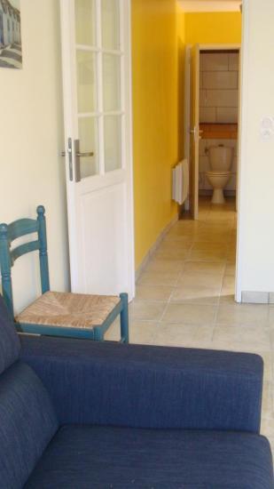 couloir d'accès à la chambre et au reste du logement
